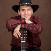 В Омске выступит гитарист-семиструнник