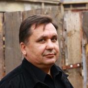 Омич впервые получил премию Расула Гамзатова