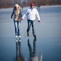 Омичам предлагают бесплатно кататься на коньках